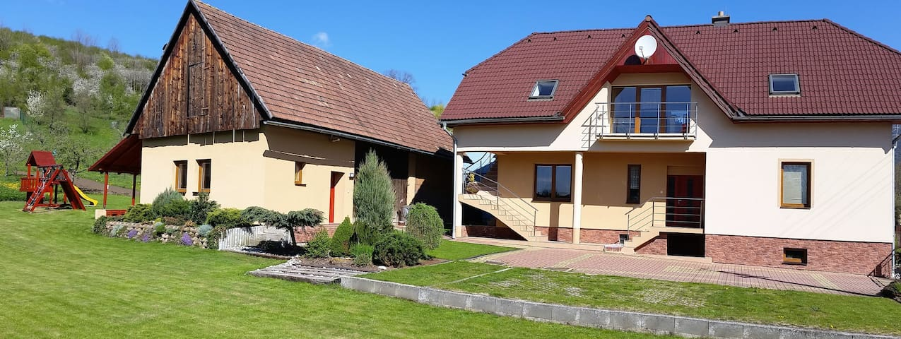 Privat Lenka apartmán č.1 - Prosiek - บ้าน