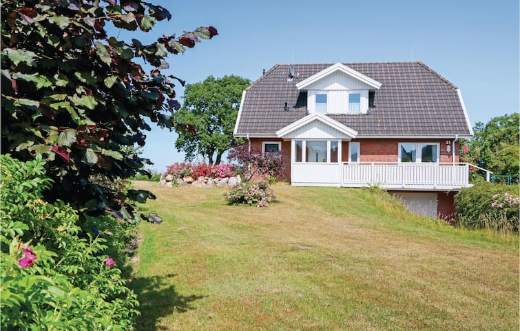 Holiday cottage with 3 bedrooms on 130m² in Olpenitzdorf
