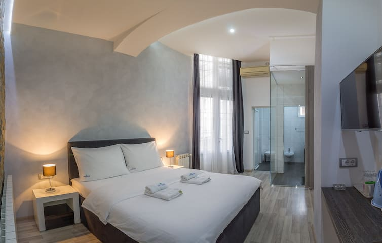 Comfort Double Room in the City Center