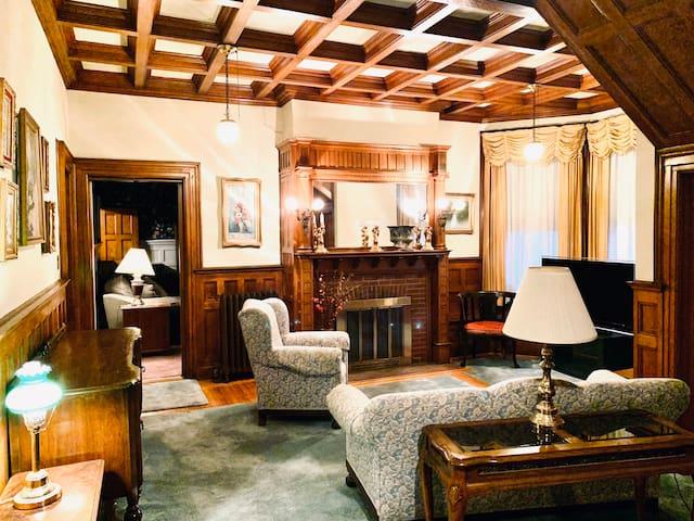 Historic Mansion - Former NYS Senator's - Must See