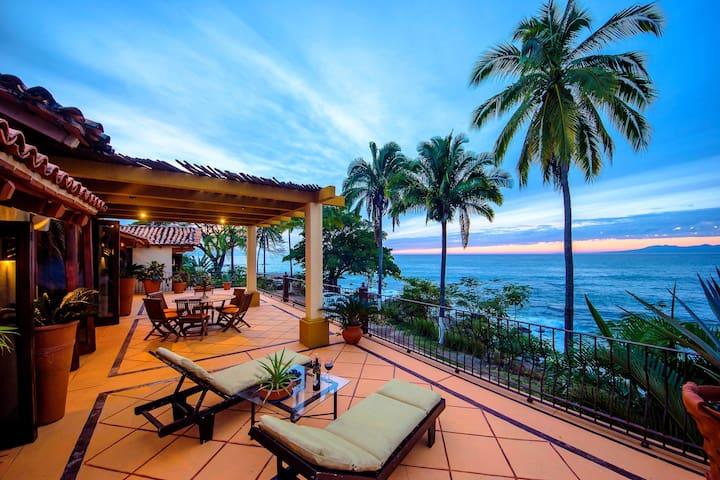 Beautiful Ocean Front Villa Amapas - Puerto Vallarta - Willa