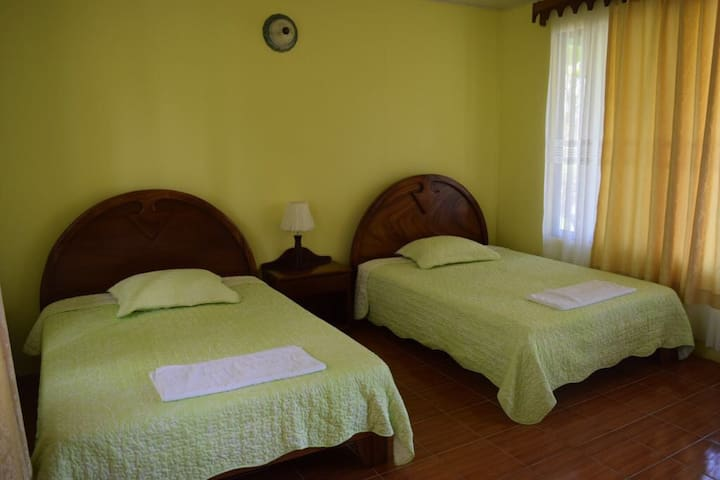 SLEEP NEAR FREE HOTSPRINGS - San Carlos - Bed & Breakfast