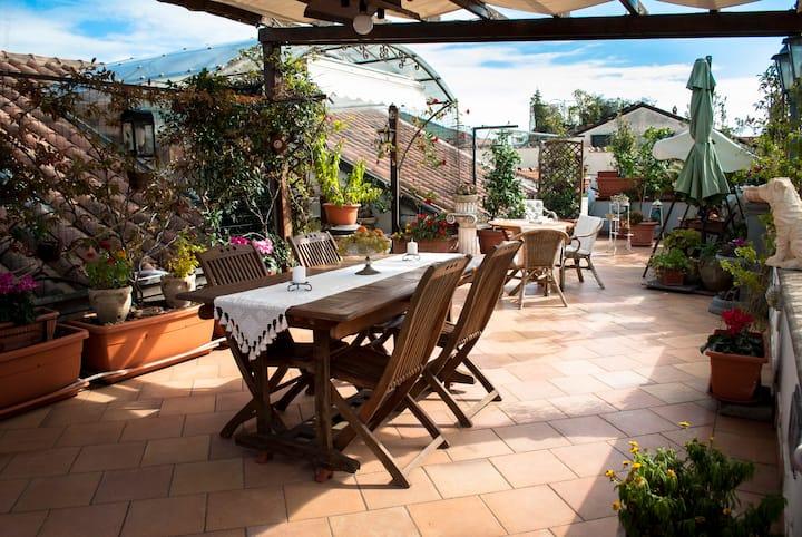 appartamento open space e terrazzo