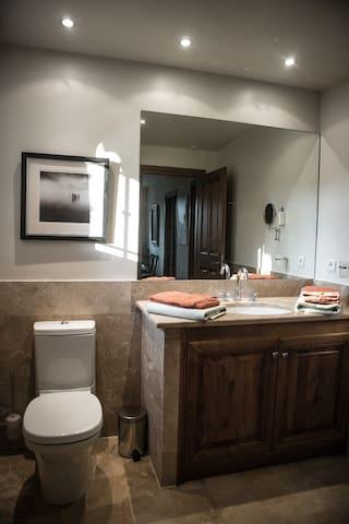Bathroom w. shower 2nd floor