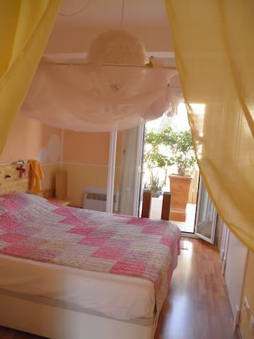 Dreamterrassflat in best local - Palma - Bed & Breakfast