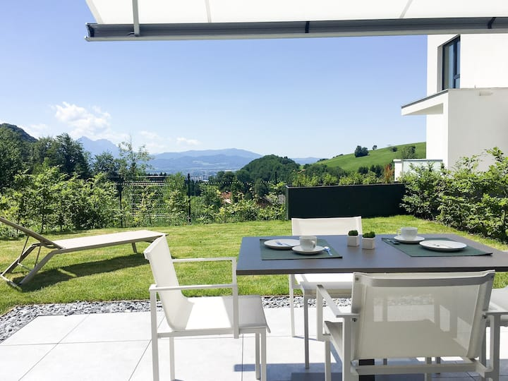 Apartment with garden at the border of Salzburg!