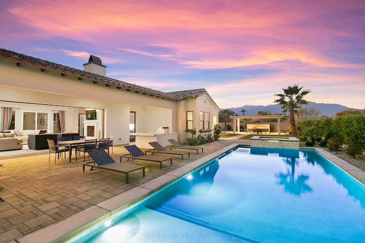 Desert Paradise at Buena Vista with Pool, Fire Pit, and Putting