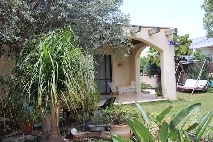 Beautiful Mediterranean House 5 min from the beach