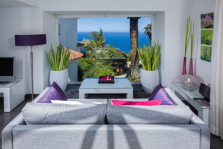 Luxury Studio with Private Sun Terrace with Sea View