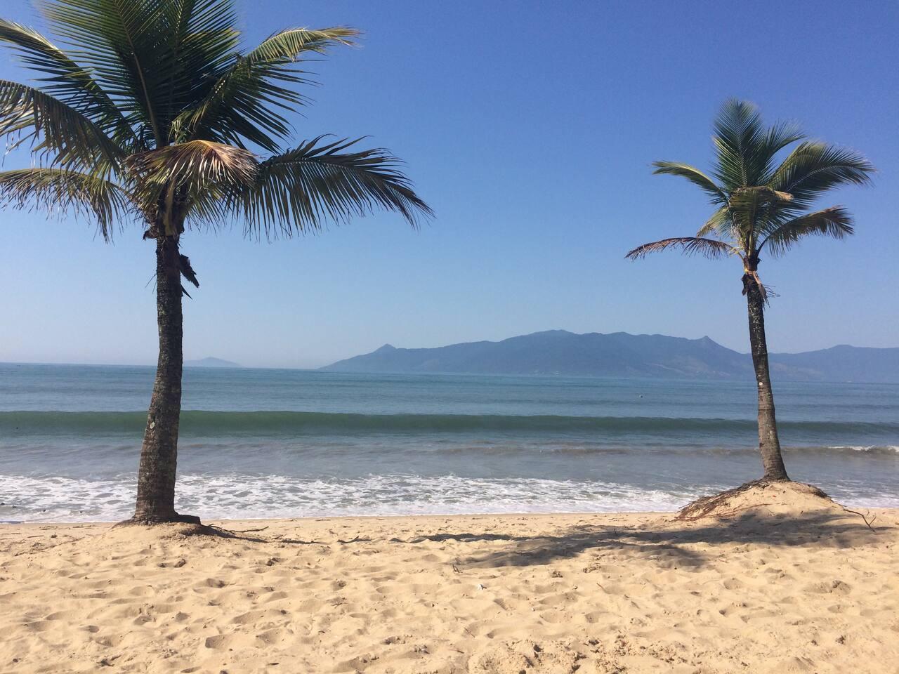 Praia Martin de Sá - 100m