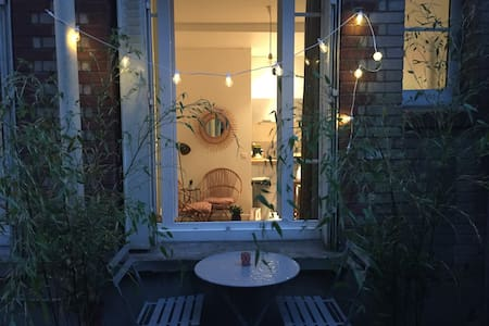 Cosy studio at Buttes Chaumont/Live as a Parisian! - Paris - Daire