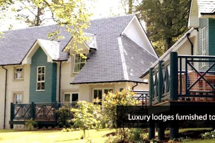 """Luxury  Scottish Lodge - Pool & Spa"""
