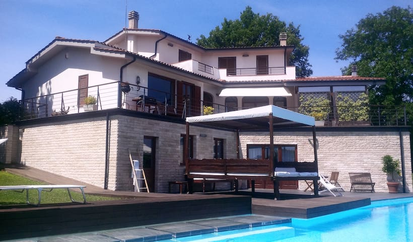 Luxury apartment with swimming pool - Colle Farnese - House