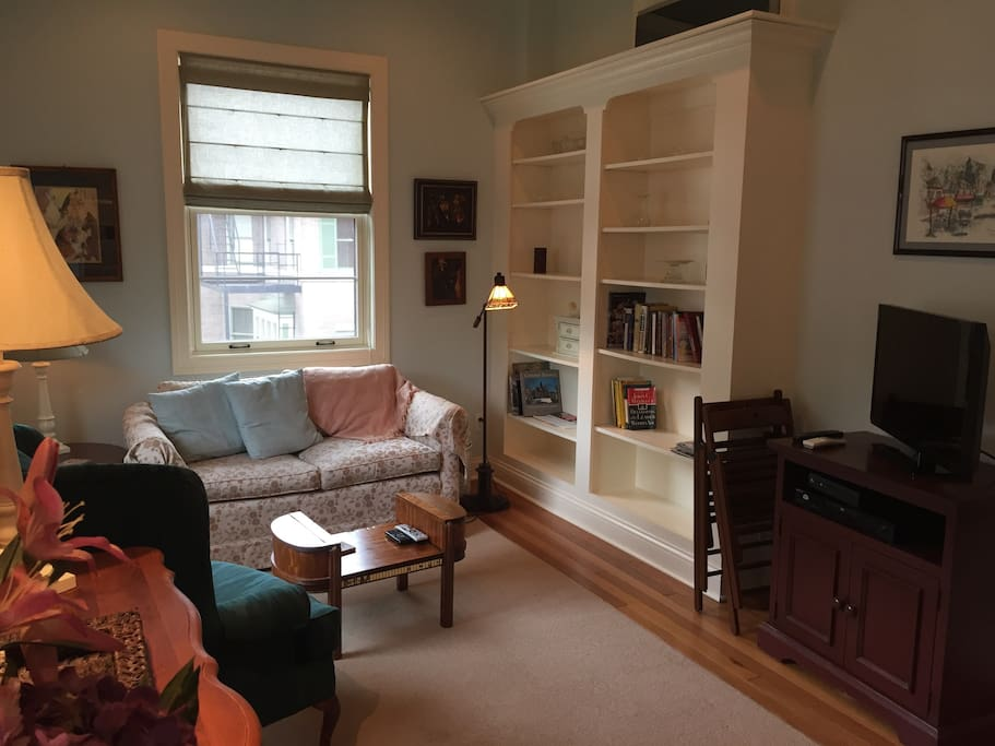 Living area that has separate locking door to be made in second bedroom
