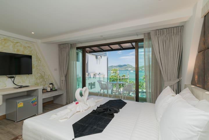 🌴Φ F Deluxe studio triple room balcony sea view Φ