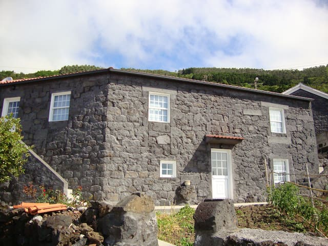 Casa Priosta, Ribeiras, Lajes do Pico