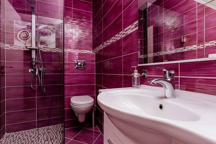 Dream Vacation Apartments- Purple Studio - ME - Villa