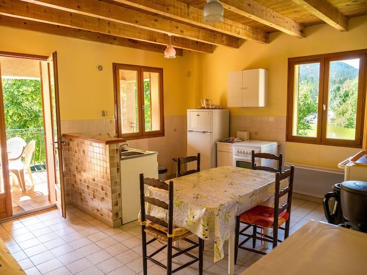 Gîte provençal (Environnement calme et paisible)