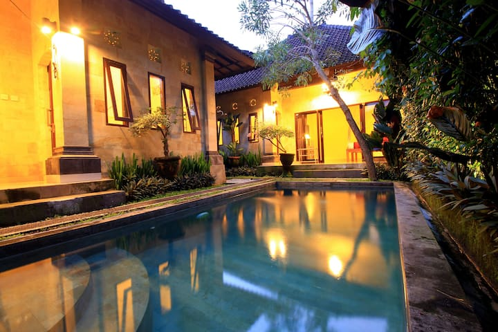 Deluxe Family Villa, Pool, AC, Wifi in Ubud.