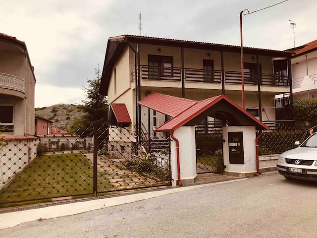 Ολόκληρο σπίτι στο χωριό, για χαλάρωμα  στη φύση