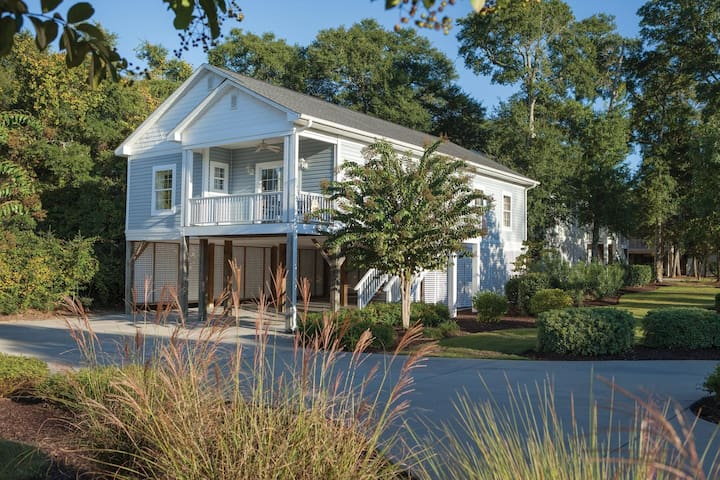 Four Bedroom Deluxe Luxury Cottage, Myrtle Beach (A572)