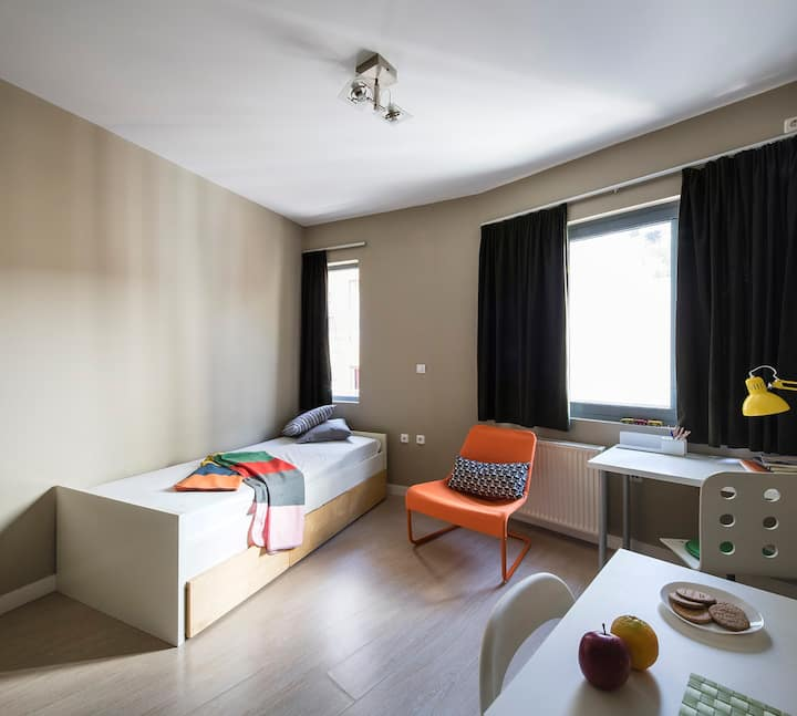 Casual and modern studio in Athens city center