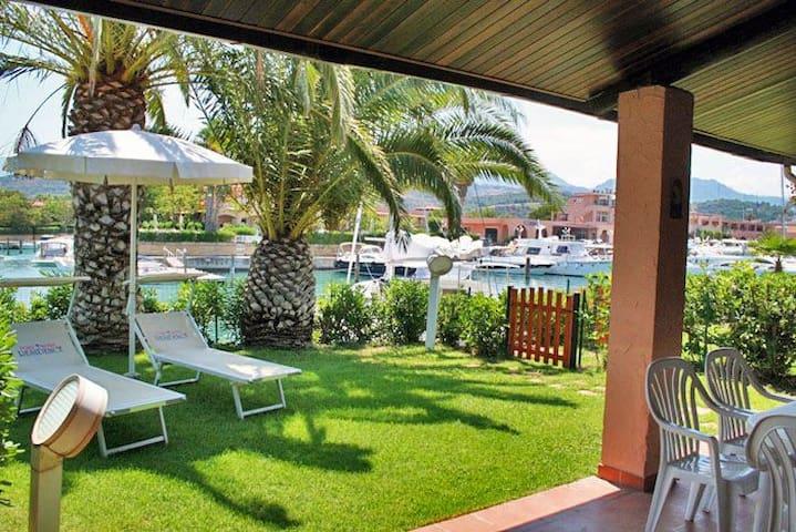 Lovely villa in Portorosa, paradise in Sicily.