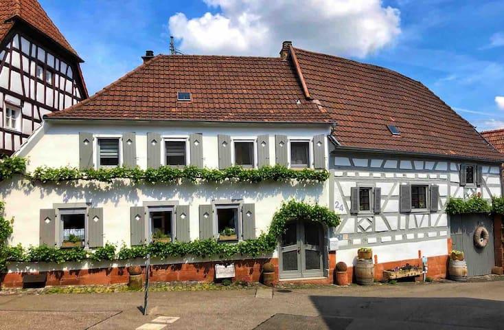 """Ferienwohnung """"Sambachhaus"""" Gleiszellen Pfalz"""