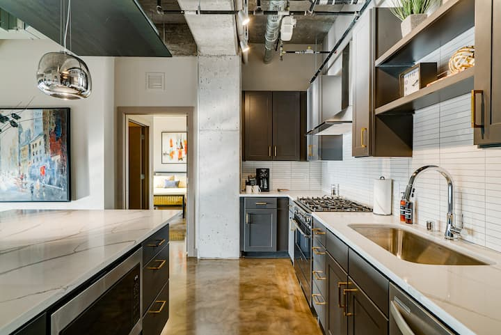 Minnestay* Sable 91 Penthouse ★ North Loop ★ Steps from Target Field