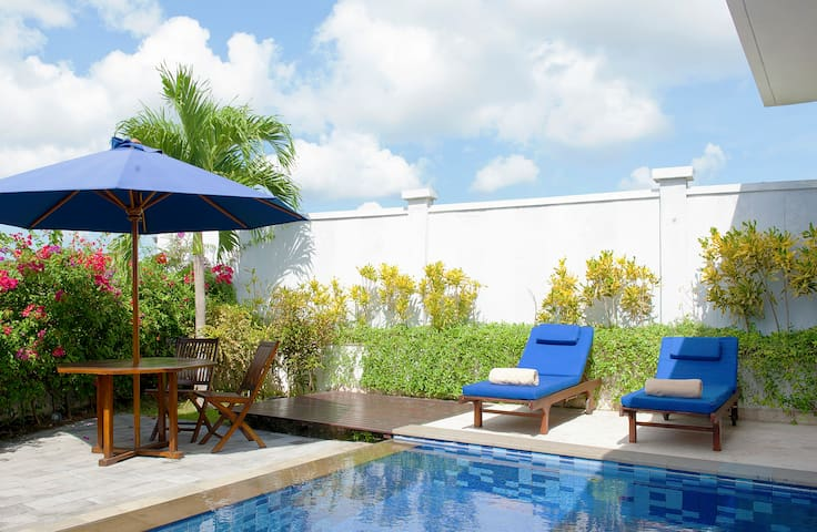 Private One-Bedroom Villa With Pool (Umah CinCin) - Mengwi
