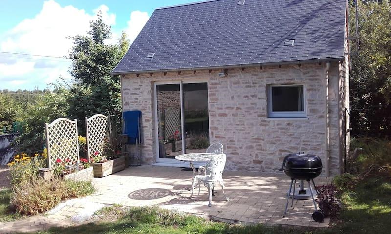 Charmante maison en pierre proche Bayeux