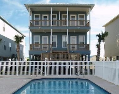 Vacation Family Beach Home, 2 pools, Jacuzzi, Dock - Gulf Shores - Casa