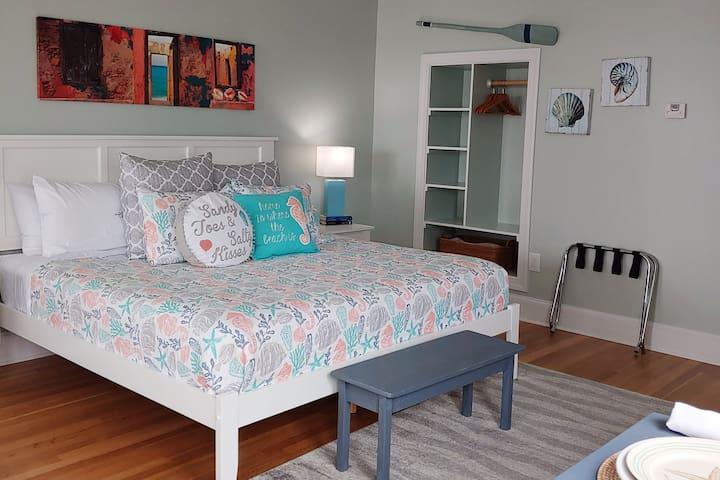 Bald Head Island Romantic Bed & Breakfast Suite