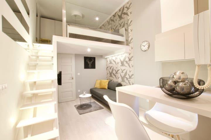 Hi5 Apartments 131 - Oktogon - Charming studio