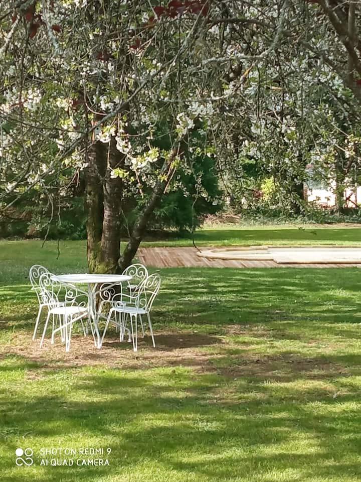 Villa familiale dans environnement boisé