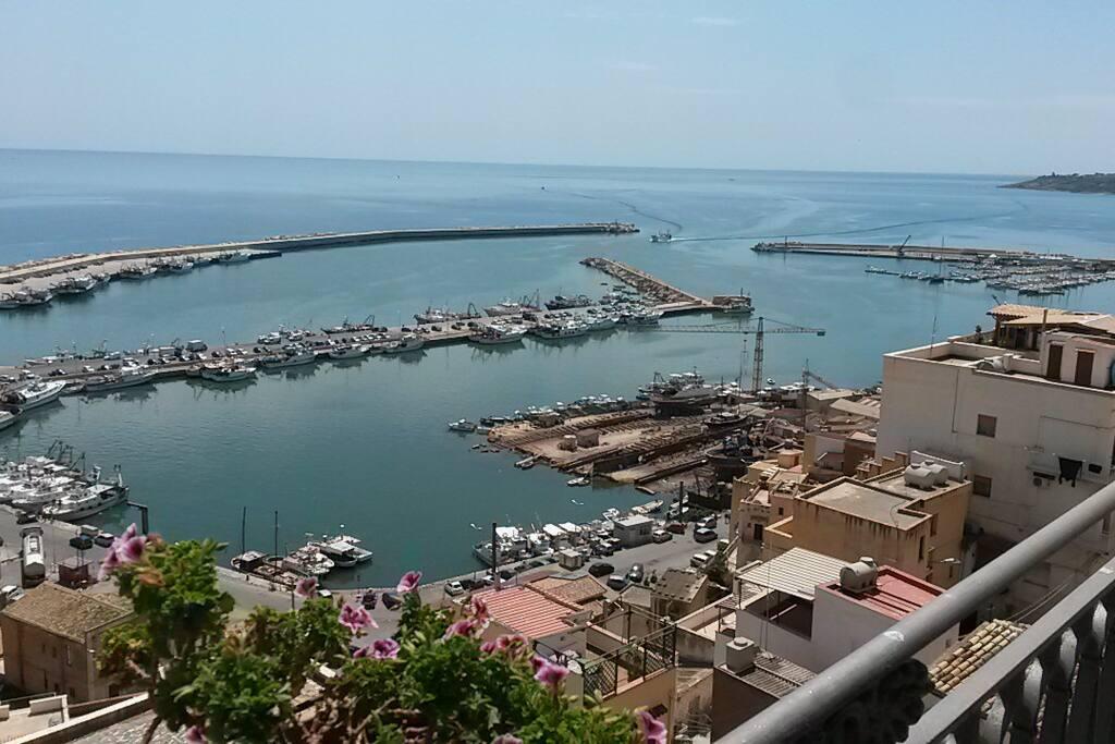 Vista del porto di Sciacca dal centro storico
