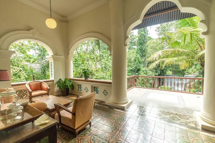 Hidden Paradise Villa with Jungle View in Jogja