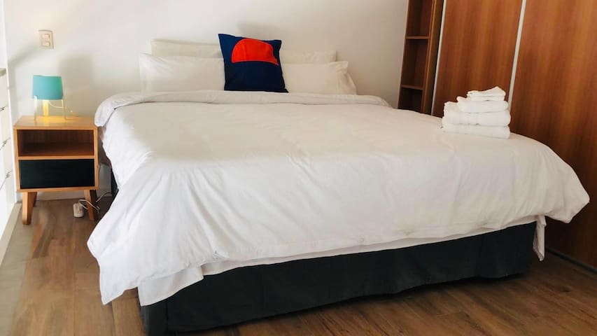 King Bed 2.0 x 2.0