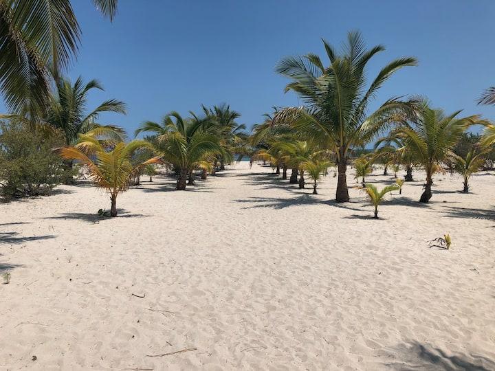 PANTO-HA BEACH. San Crisanto, Yucatán