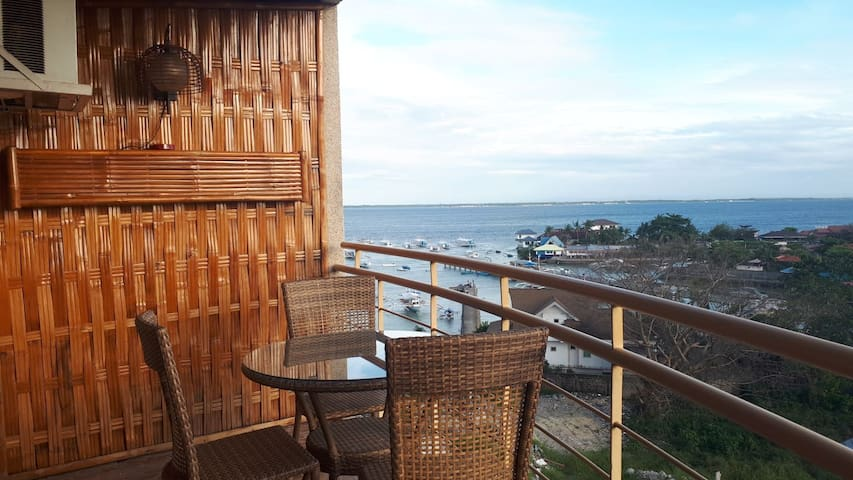 Mactan Penthouse Maribago Oceanview with WIFI