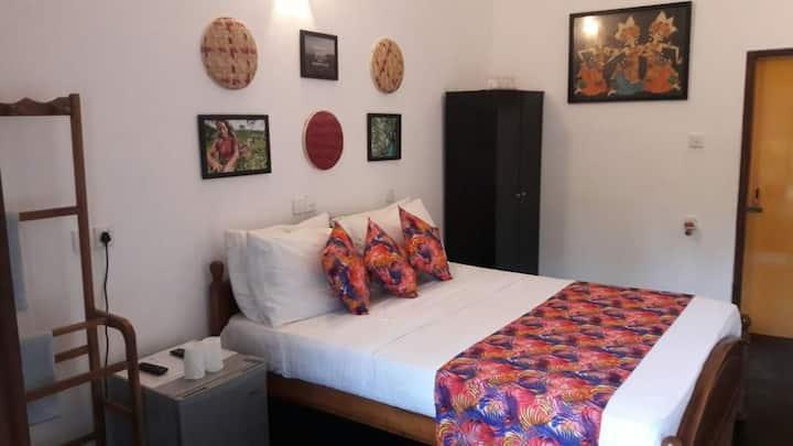 Entire villa with kitchen(Anara villa)for 10 guest