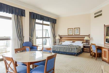 LUXURY-COSY-SERVICED-NILE VIEW - Zamalek - Apartment