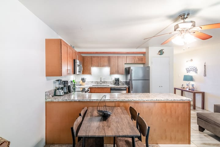 Amazing Luxury Beach Condo Lahaina