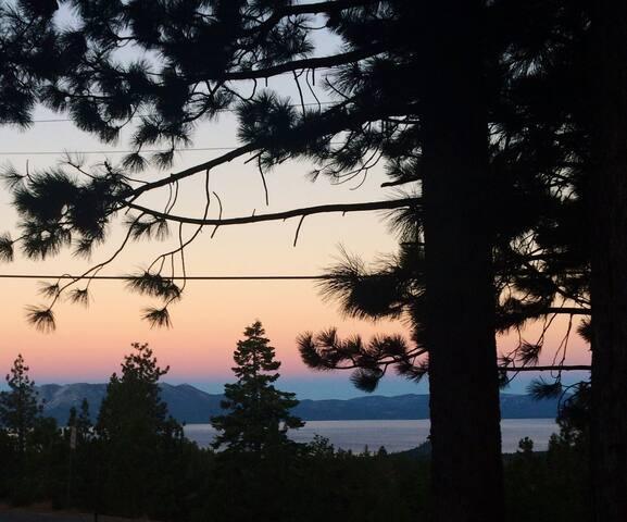 Lake Tahoe View in Cozy Tahoe Getaway Condo!