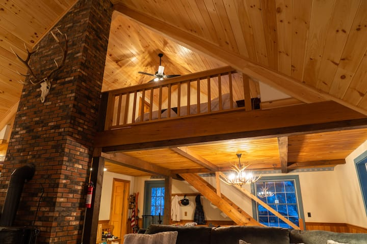White Mountains Family Retreat w/ Private Hot tub