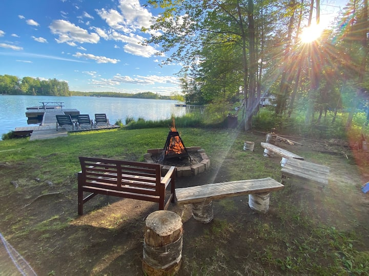 Quiet Cottage Retreat on Green Lake: LIVE SIMPLY