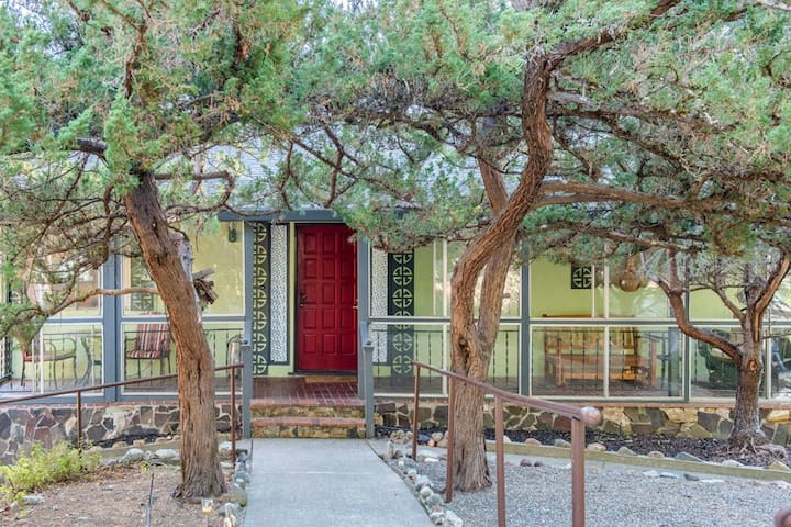 Hidden Lake Lodge - Forestville - House