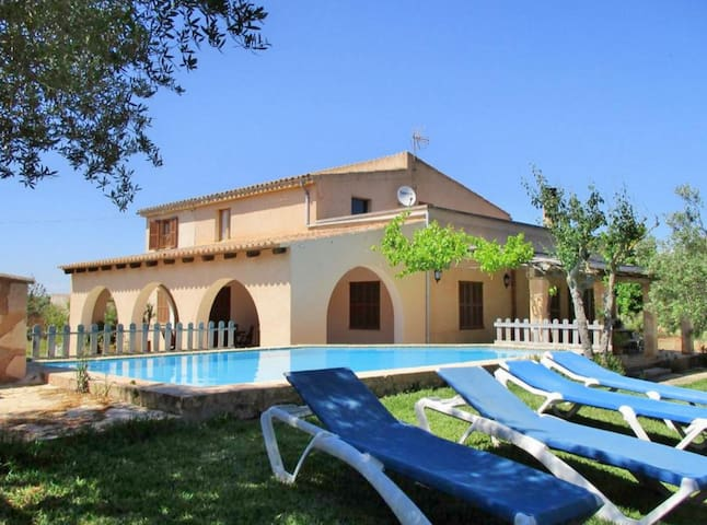 Charming Villa with Pool near Great Es Trenc Beach - Campos