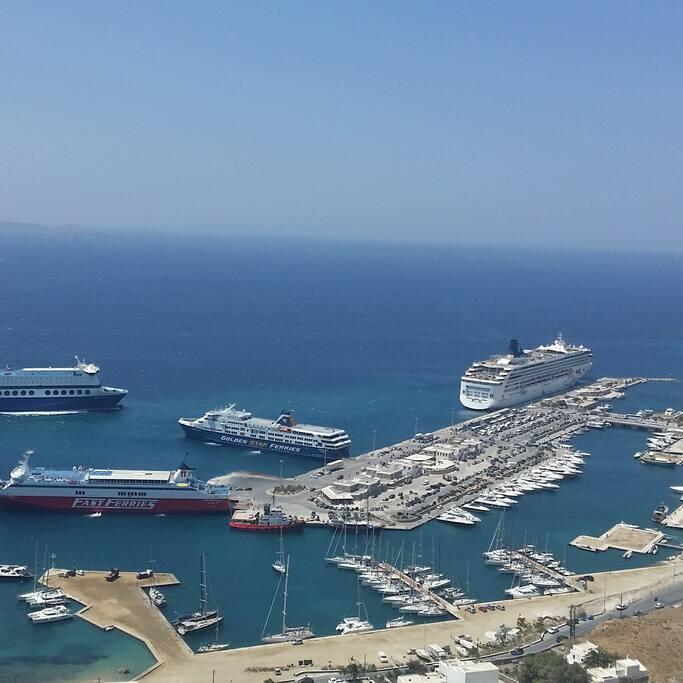 Port of Tourlos