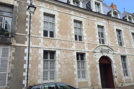 Gîte du Baron situé à Richelieu 24 Grand Rue